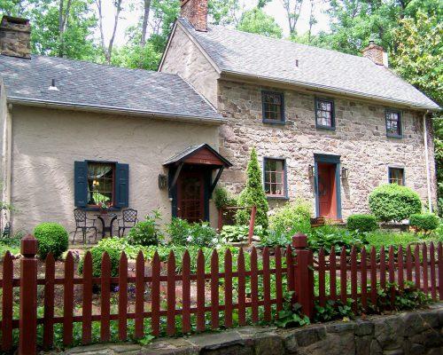 811 S Park Ave Audubon, PA 19403